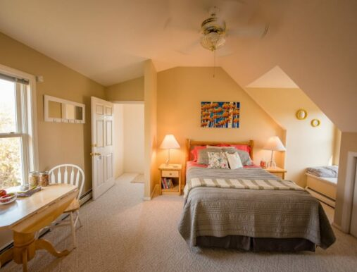 Falls Suite, Fox Hollow Inn